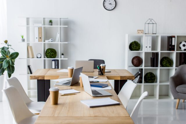 5 pomysłów na fotel biurowy